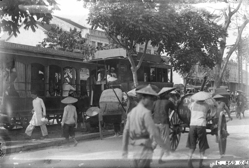 Tan muc cuoc song soi dong o Ha Dong thap nien 1920