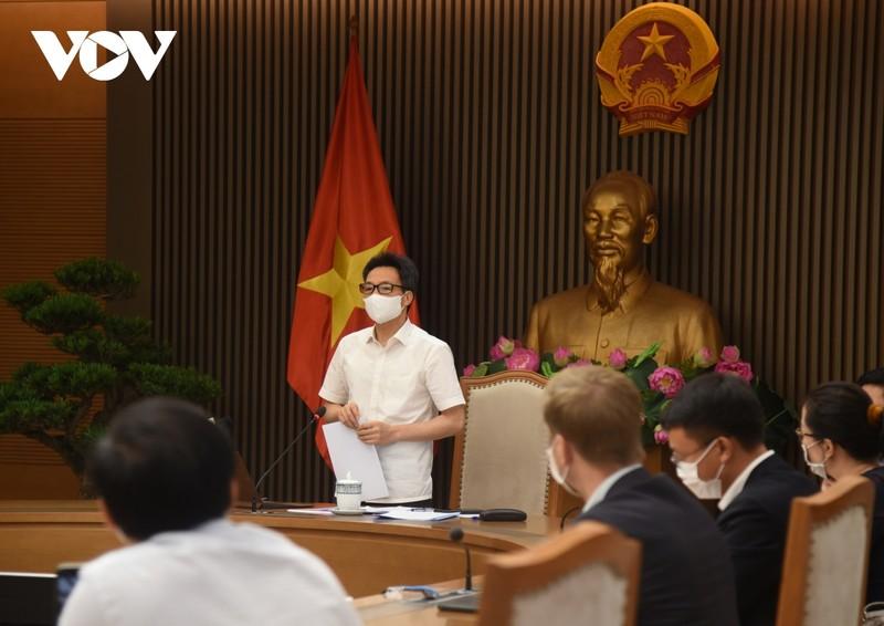 """Vaccine COVID-19 ve Viet Nam chua nhieu do nguon cung khan hiem"""