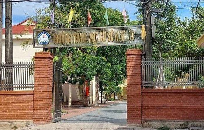 Lam ro viec 27 giao vien sua nang diem cho hoc sinh o Thanh Hoa