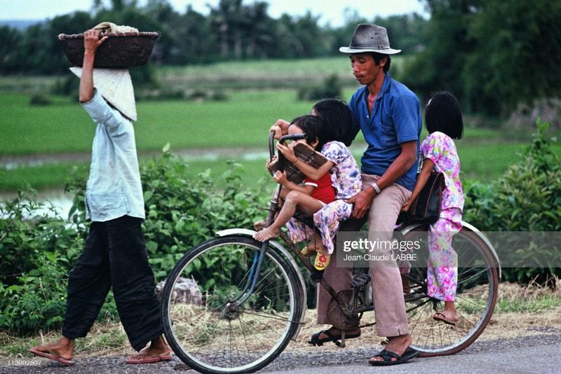 Boi hoi nhin lai cuoc song o nong thon Viet Nam dau thap nien 1990-Hinh-4