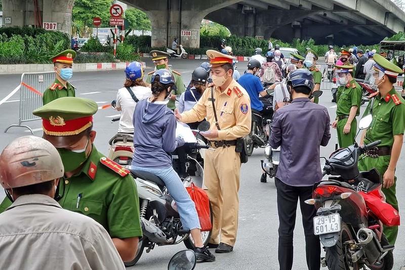 Bo Cong an san sang giup Ha Noi cap giay di duong ma QR Code