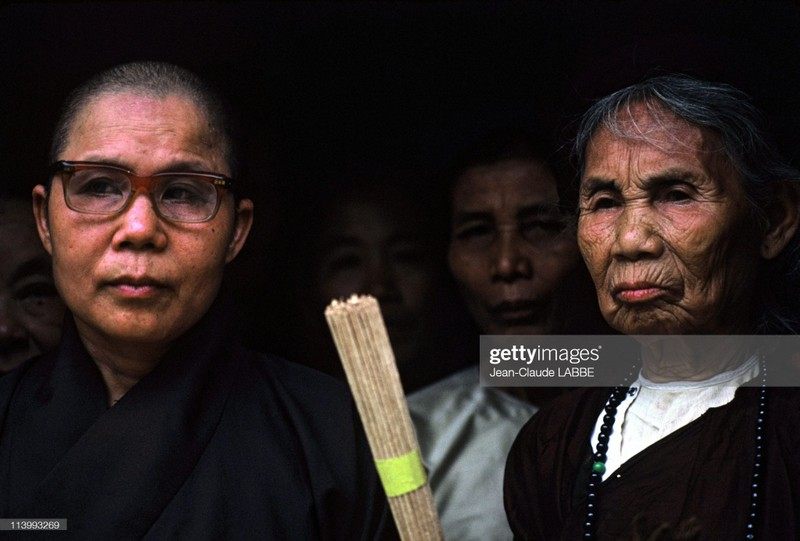 "Anh chan dung ""chat nhu nuoc cat"" cua nguoi Ha Noi nam 1994-Hinh-11"