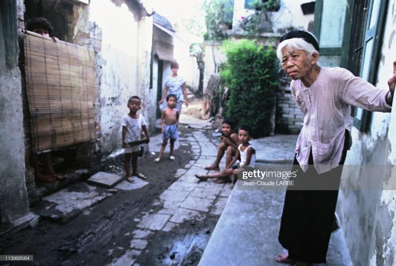 "Anh chan dung ""chat nhu nuoc cat"" cua nguoi Ha Noi nam 1994-Hinh-5"