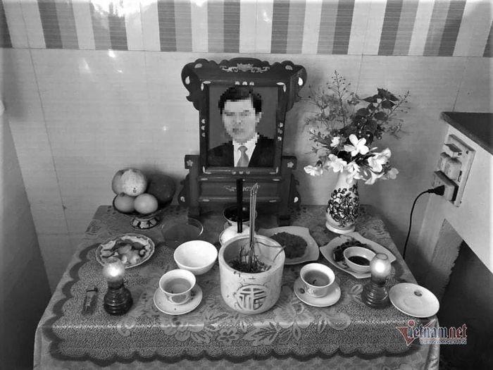 'Toi om tro cot chong hoi huong tren chuyen bay dau tien cua cuoc doi'