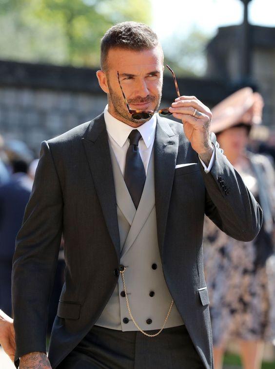 Vi sao David Beckham thuong khong cai cuc cuoi bo suit?-Hinh-7
