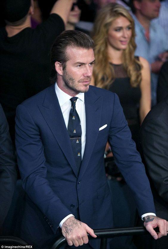 Vi sao David Beckham thuong khong cai cuc cuoi bo suit?