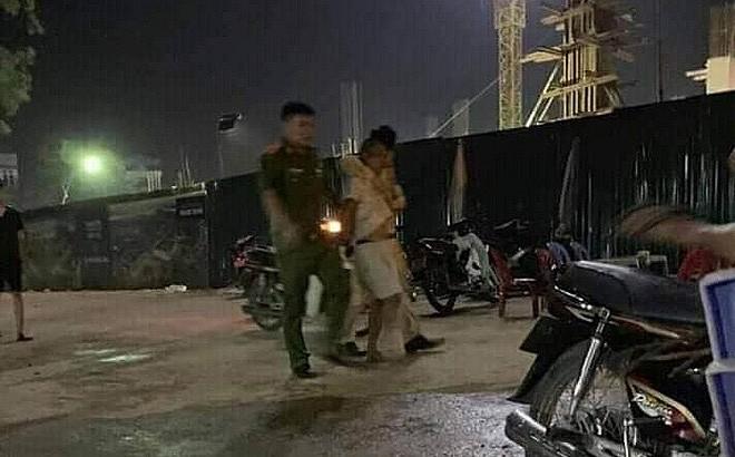 Bi CSGT bat xe, doi tuong ve nha lay dao dam cong an