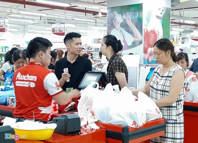 He thong sieu thi Auchan cua Phap co chu moi: Dai gia nao nhanh tay?