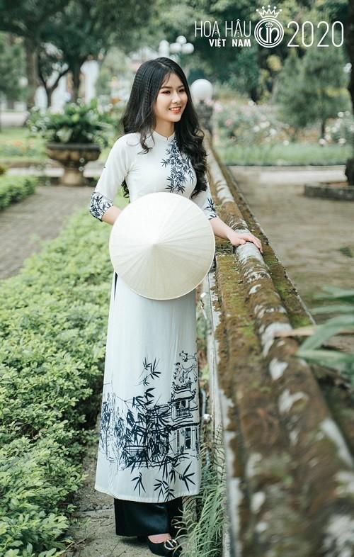 "Thi sinh it tuoi nhat Hoa hau Viet Nam 2020 khien ""cac chi"" de chung"