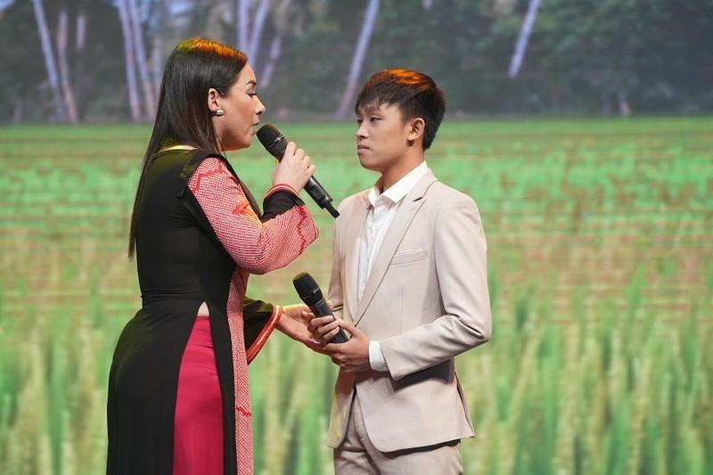 Phi Nhung gay tranh cai khi dang dan canh cao con nuoi Ho Van Cuong-Hinh-3