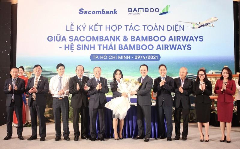 Sacombank ky ket hop tac toan dien voi Bamboo Airways-Hinh-2