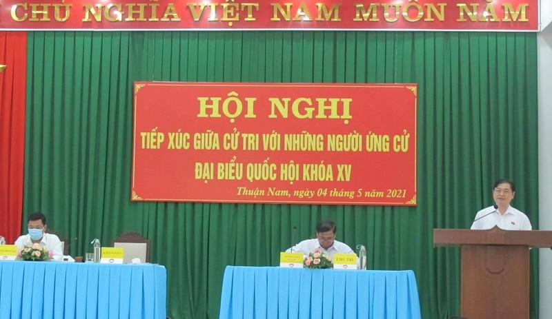 Ngay dau Hoi nghi TXCT o Ninh Thuan cua Chu tich VUSTA Phan Xuan Dung va nhung nguoi ung cu DBQH