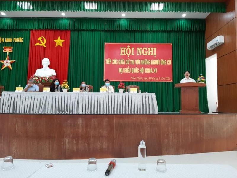 Ngay 3 TXCT huyen Ninh Phuoc cua DV bau cu so 2: 4 ung vien DBQH va TSKH Phan Xuan Dung thuyet trinh gi?