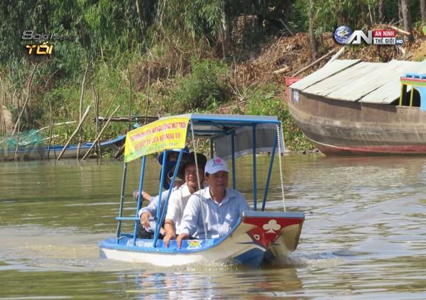 "Bon ong ""hai lua"" che tao thuyen nang luong mat troi"