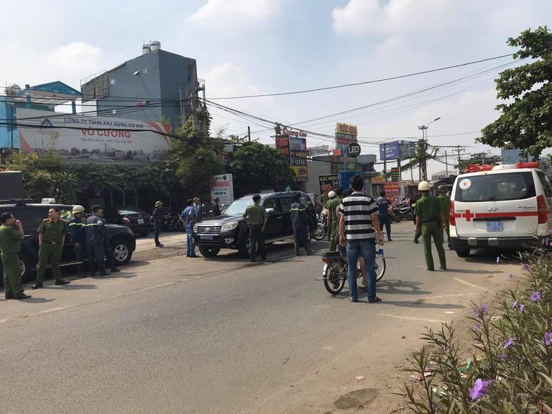 Sai Gon: Ngao da, dam trong thuong 3 canh sat dac nhiem-Hinh-2