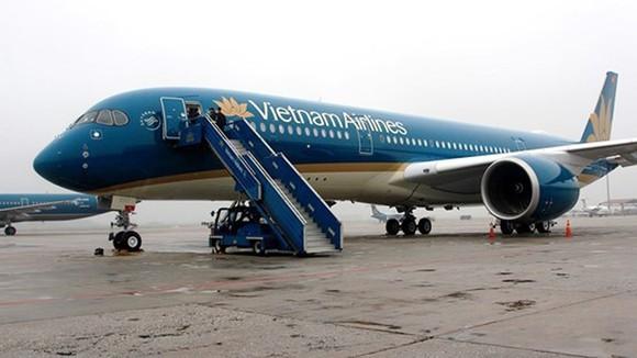 Nu tiep vien truong bi kiem tra vi nghi buon lau, Vietnam Airlines noi gi?