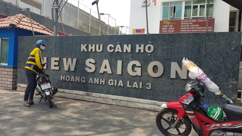 Canh sat 'nhap vai' tien si Bui Quang Tin trong buoi thuc nghiem lai hien truong-Hinh-5
