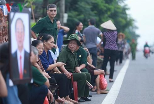 Chu tich nuoc Tran Dai Quang da an nghi tai que nha-Hinh-25