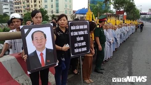 Chu tich nuoc Tran Dai Quang da an nghi tai que nha-Hinh-26