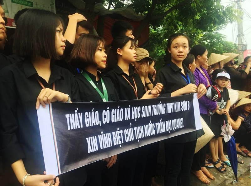 Chu tich nuoc Tran Dai Quang da an nghi tai que nha-Hinh-38