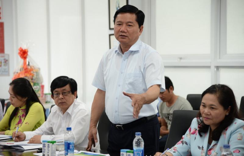 Den Vinamilk, ong Dinh La Thang ban huong phat trien bo sua