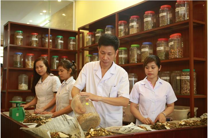 Ths. Bs Ngo Quang Hung: Nguoi tao dieu ki dieu trong cay chi chua benh-Hinh-3