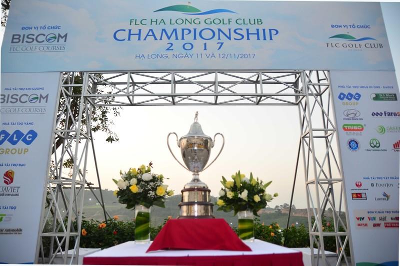 Tung bung khoi tranh giai FLC Halong Club Championshop 2017-Hinh-3