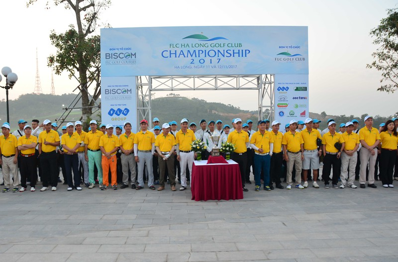 Tung bung khoi tranh giai FLC Halong Club Championshop 2017