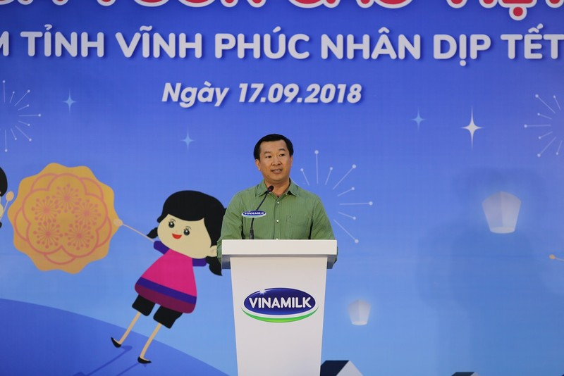 Vinamilk dem niem vui ngay tet trung thu den cho tre em tinh Vinh Phuc-Hinh-4