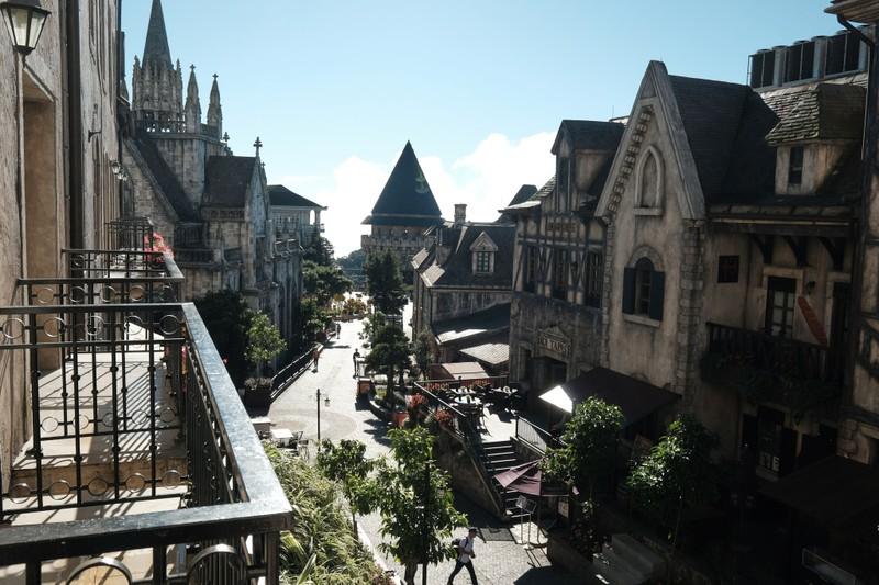 "Mercure Danang French Village Bana Hills duoc vinh danh ""Khach san lang man nhat the gioi""-Hinh-3"