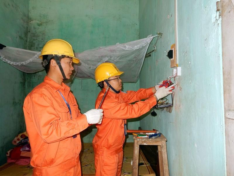 EVN HANOI: Phat trien ben vung luon gan voi trach nhiem truoc cong dong xa hoi-Hinh-3