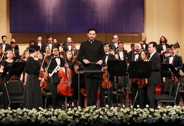 Dan nhac Giao huong Mat Troi se co buoi hoa nhac cung nghe sy violon Nhat Ban-Hinh-3
