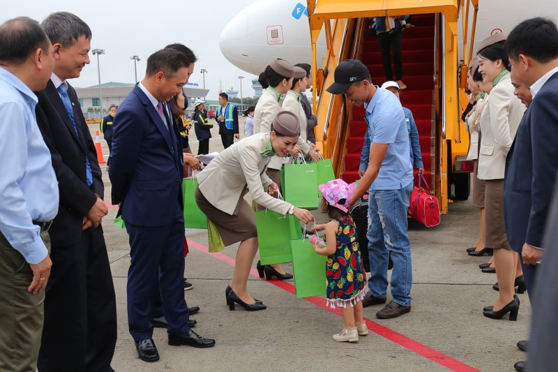 Pho Thu tuong Vuong Dinh Hue bay khai truong duong bay moi cua Bamboo Airways toi Vinh-Hinh-9