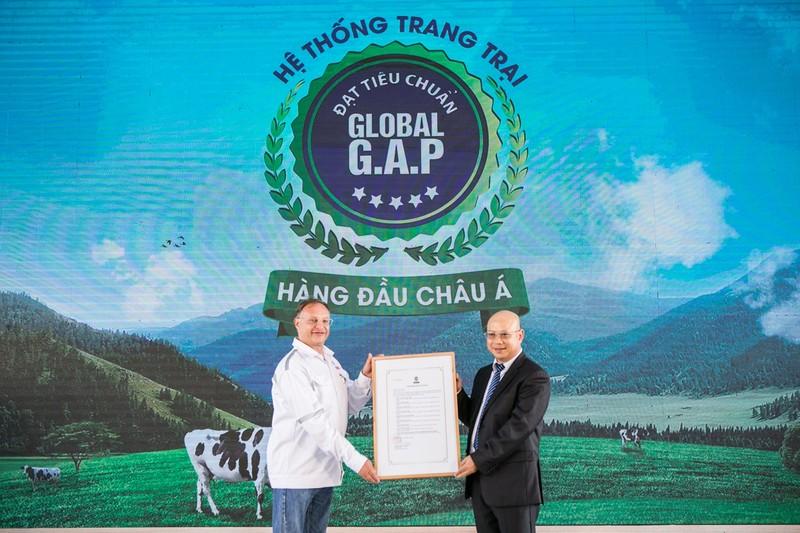 VN so huu he thong trang trai bo sua chuan Global G.A.P lon nhat Chau A-Hinh-2