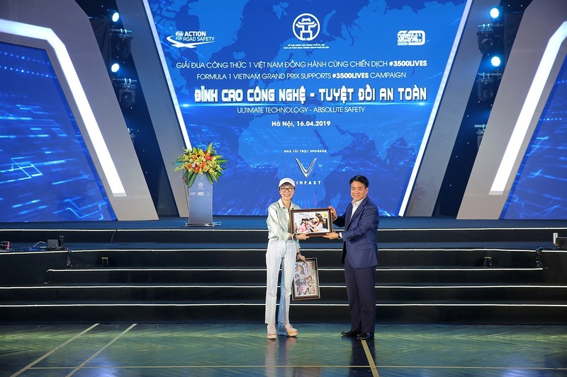 Viet Nam Grand Prix tang 10.000 mu bao hiem cho hoc sinh, sinh vien-Hinh-3