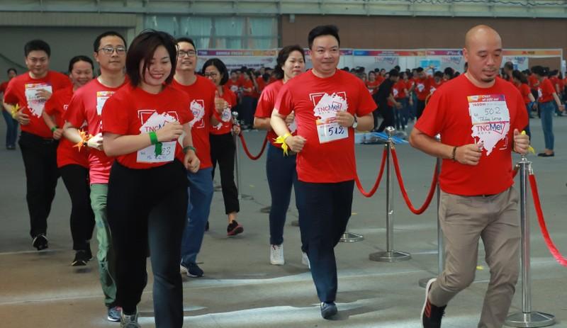 CBNV TNG Holdings Vietnam gay quy xay truong cho tre em vung cao-Hinh-2