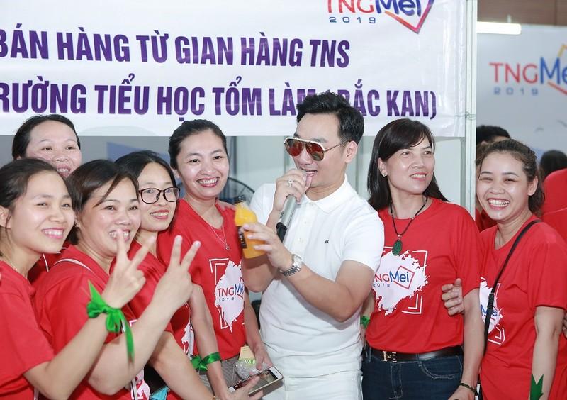 CBNV TNG Holdings Vietnam gay quy xay truong cho tre em vung cao