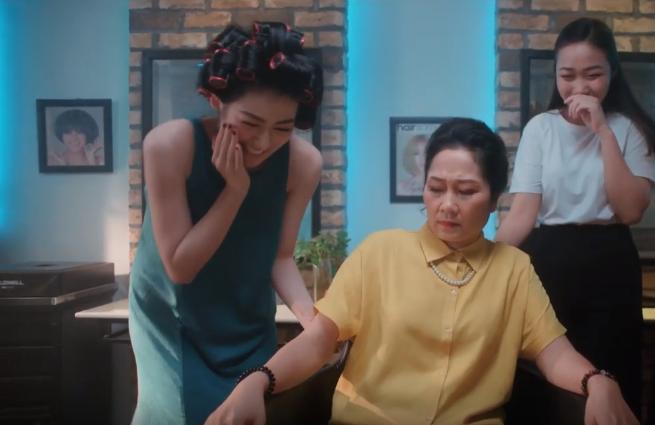 "A hau Tu Anh khien CDM ""nga mu"" truoc chieu lay long me chong cuc ""nuot""-Hinh-3"