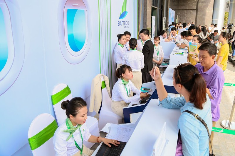 "Khach ""doi nang"" cho ""san""ve uu dai tai Bamboo Airways Tower 265 Cau Giay-Hinh-6"
