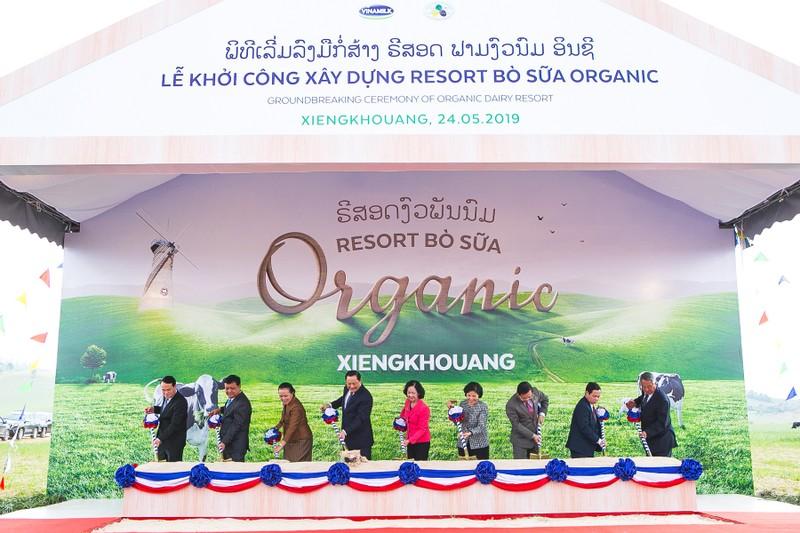 "Vinamillk cung Lao va Nhat xay dung ""Resort"" bo sua Organic-Hinh-2"