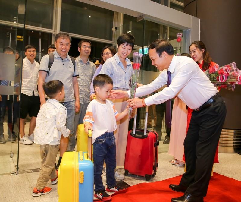 Khai truong duong bay thang Tham Quyen, san bay Van Don cham tay vao thi truong QT-Hinh-5