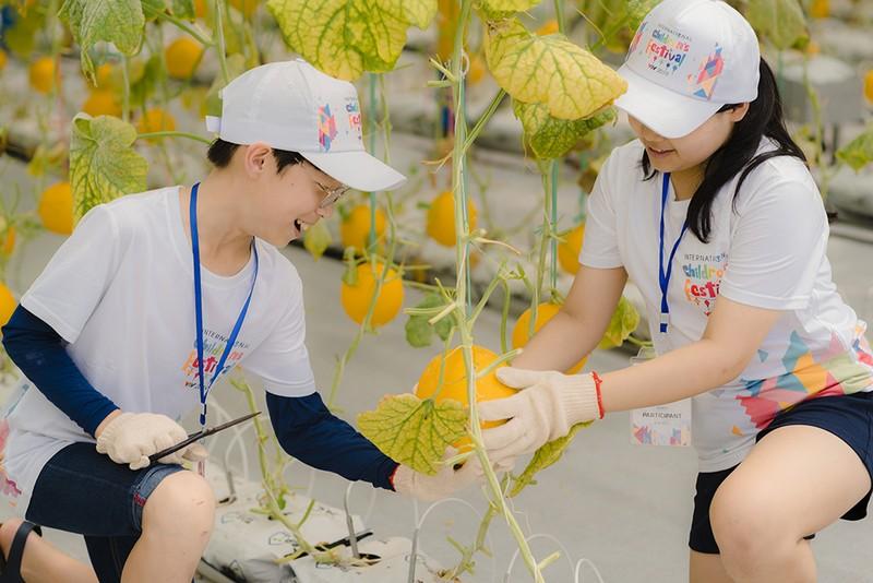 Thieu nhi Quoc te hao huc kham pha Vinpearl Nam Hoi An-Hinh-3