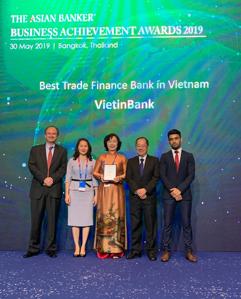 "VietinBank la ""Ngan hang tai tro thuong mai tot nhat Viet Nam"""