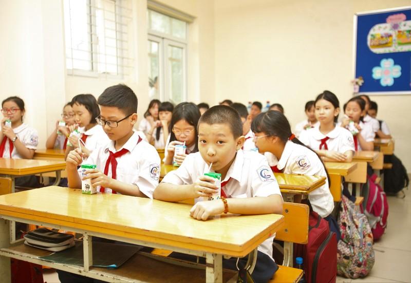 "Chuong trinh Sua hoc duong va no luc cai thien ""nan"" thieu vi chat dinh duong-Hinh-3"