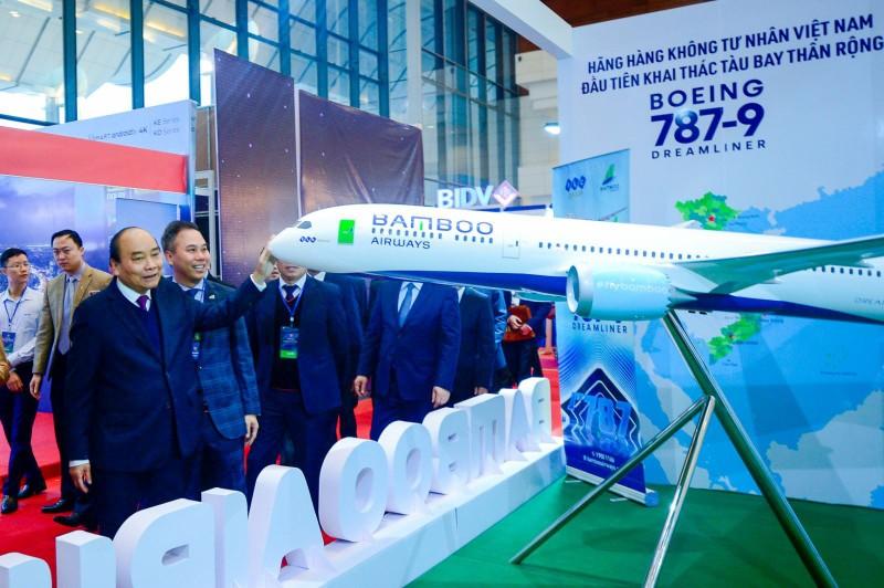 Thu tuong Chinh phu chuc mung Bamboo Airways don may bay than rong dau tien-Hinh-2