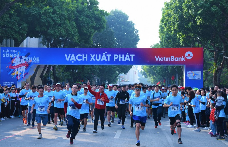 "Giai chay ""Song khoe cung VietinBank"": Lan toa va se chia yeu thuong-Hinh-2"