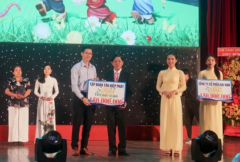 Tan Hiep Phat chung tay mang xuan yeu thuong den cho tre em co hoan canh kho khan-Hinh-2