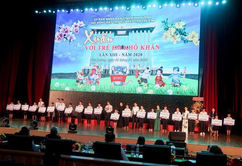 Tan Hiep Phat chung tay mang xuan yeu thuong den cho tre em co hoan canh kho khan-Hinh-3