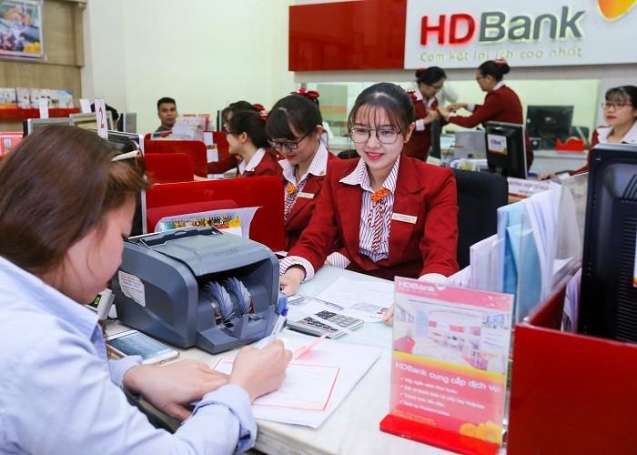 "Bao cao thuong nien: HDBank dinh huong phat trien ""Happy Digital Bank"""