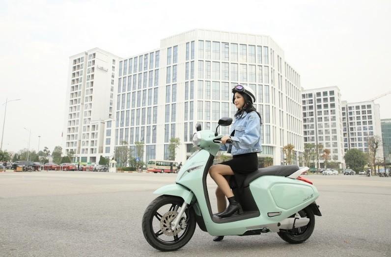 VinFast mien phi 1 nam thue pin xe may dien cho khach hang-Hinh-2